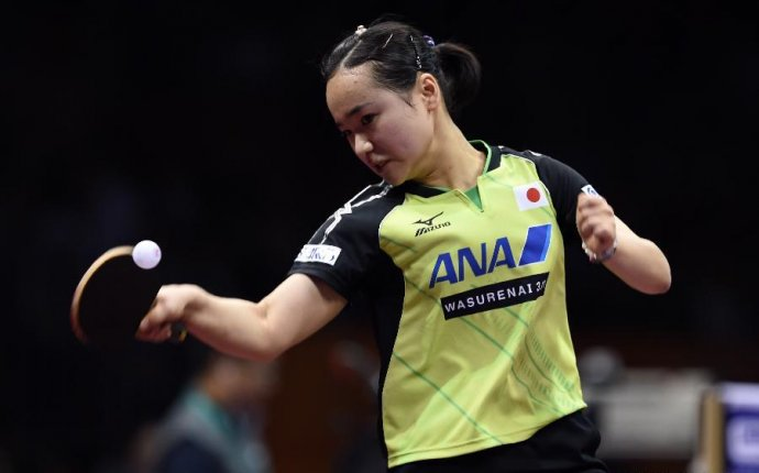 Highlights of women s singles match at Table Tennis World